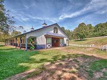Luxury homes in Hidden Valley Farm in zirconia