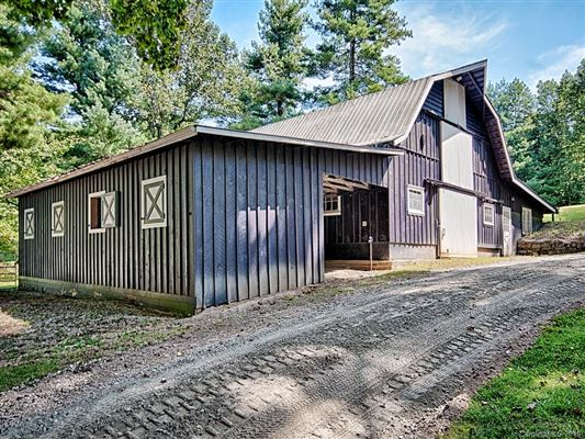 Luxury real estate Hidden Valley Farm in zirconia