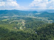 Mansions in beautiful property in waynesville
