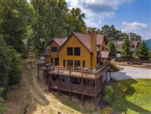 Luxury homes Exquisite timber frame home with dramatic long range views