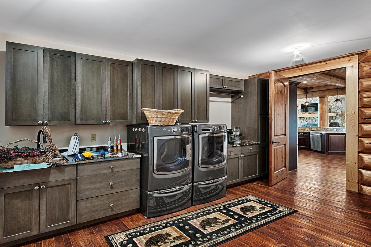 1310 Winding Creek luxury properties