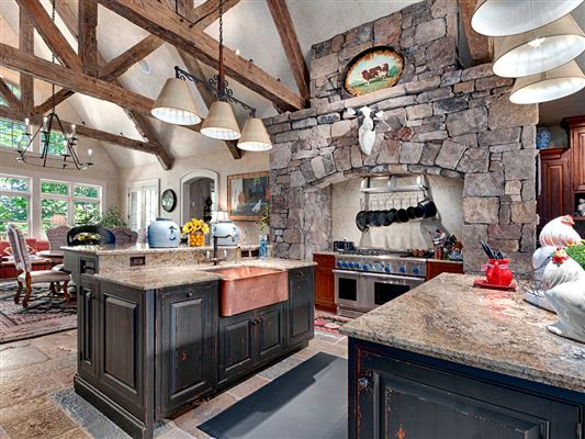 Luxury real estate outstanding property amidst beautiful scenic acres