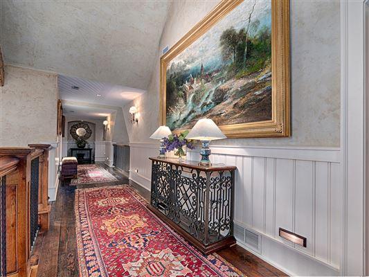 Luxury properties outstanding property amidst beautiful scenic acres