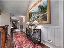 Luxury homes outstanding property amidst beautiful scenic acres