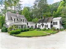 Luxury homes a Historic Rutledge Cottage