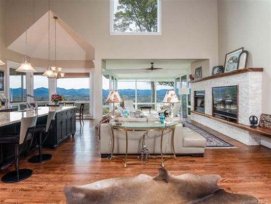 Luxury homes Truly Jaw-Dropping Views in Asheville