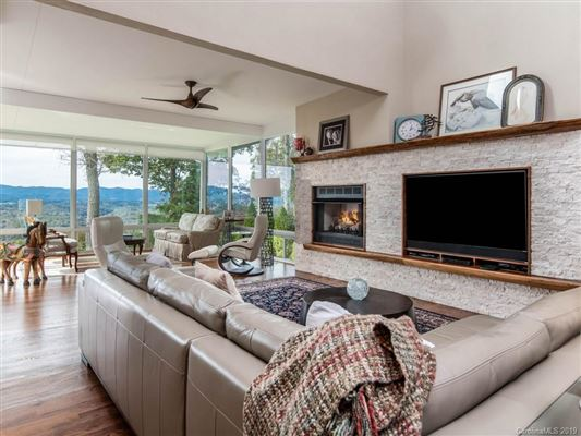 Truly Jaw-Dropping Views in Asheville luxury homes