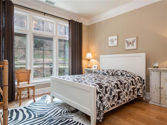 THREE bedroom unit boasts long range mountain views mansions