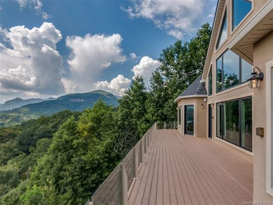 Mansions in PHENOMENAL Lake and Mountain Views