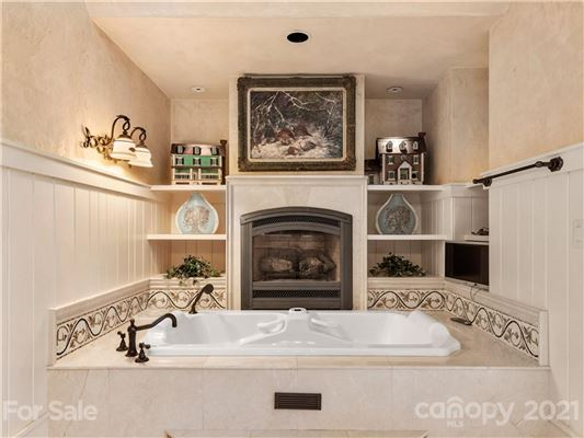 privately situated mountain retreat luxury real estate