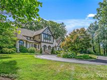 Mansions finely finished Tudor revival home