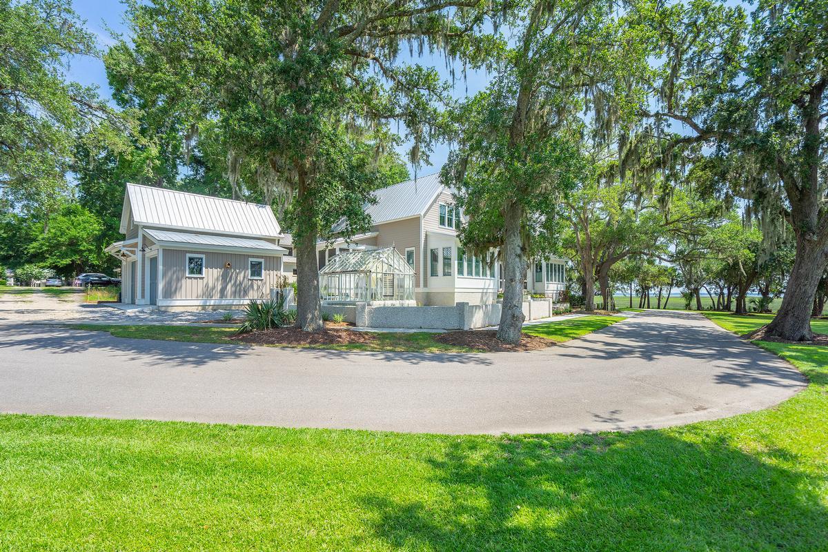 Luxury homes Luxury Waterfront Estate in Habersham Beaufort