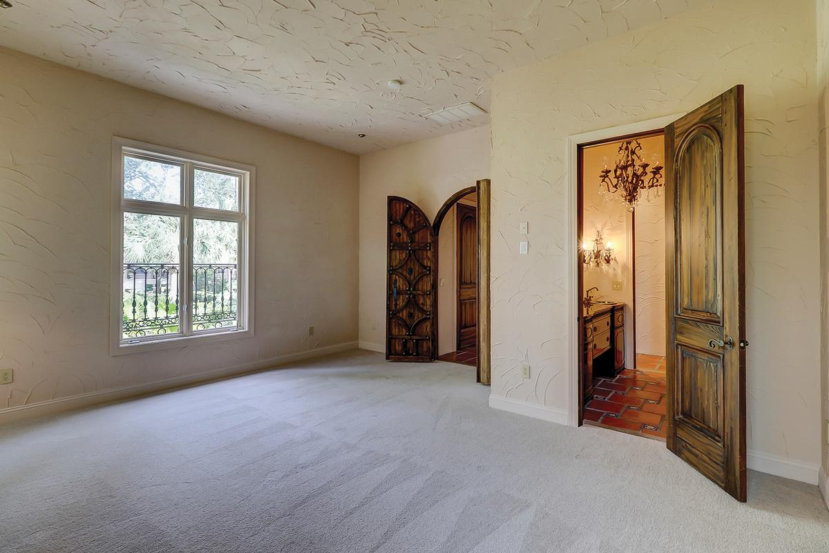 Amazing custom home like no other in Wexford mansions