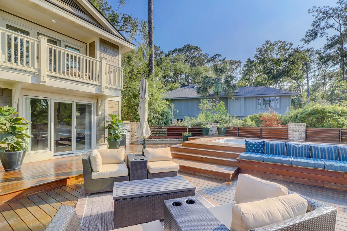 Mansions in Beautiful Renovation in the Heart of Sea Pines