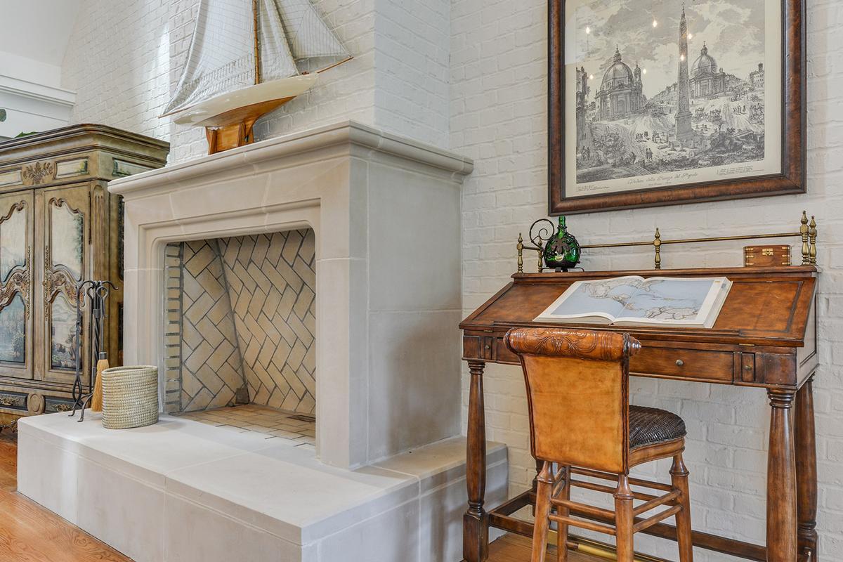 Master Craftsmanship Amid Gorgeous Live Oaks luxury properties