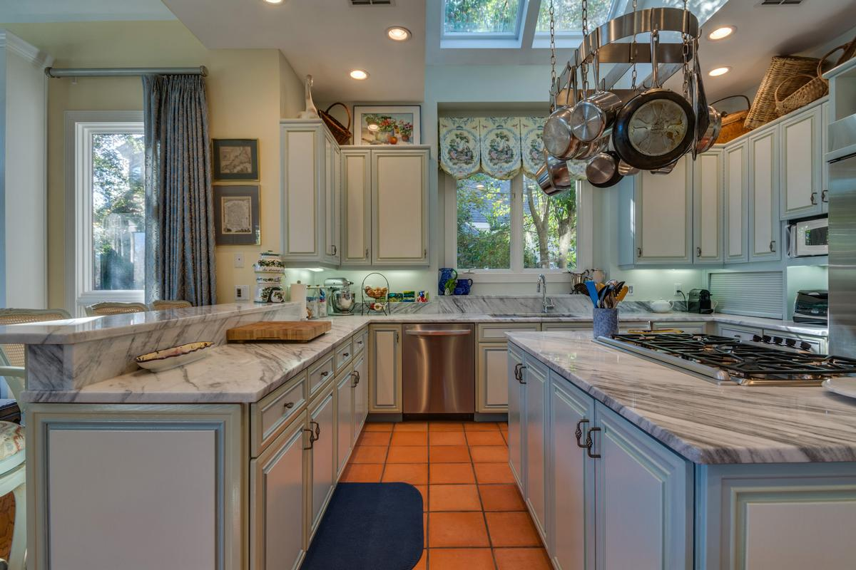Exceptional Waterfront Property in Exclusive Wexford Plantation mansions