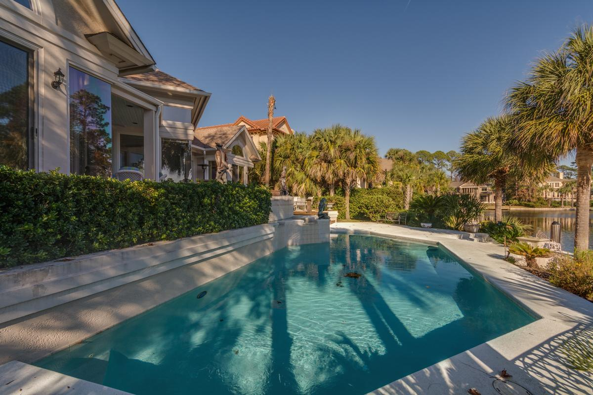 Exceptional Waterfront Property in Exclusive Wexford Plantation luxury real estate