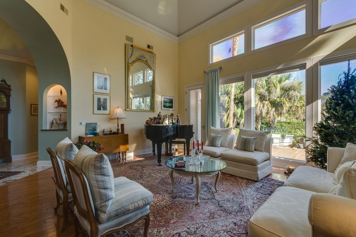 Mansions in Exceptional Waterfront Property in Exclusive Wexford Plantation