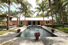 Luxury real estate peaceful oasis in Golden Beach