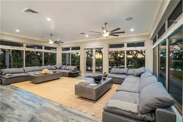 Luxury homes breathtaking property on the Manatee River