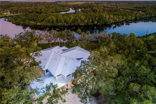 Luxury real estate breathtaking property on the Manatee River