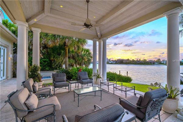 Mansions in magnificent award-winning residence in sarasota