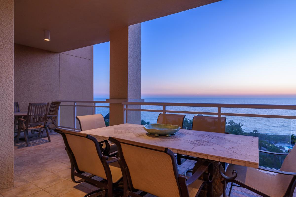Luxury homes in Ritz-Carlton Gulf of Mexico Beachfront Luxury