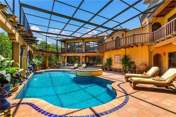 Luxury homes in spectacular Mediterranean estate