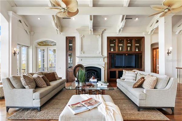 sophisticated home in the oaks luxury homes