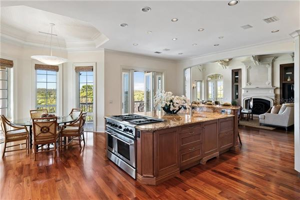 Luxury real estate sophisticated home in the oaks