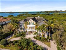 sophisticated home in the oaks luxury properties