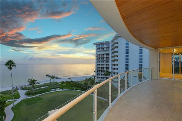 gulf-front corner penthouse at aria luxury properties