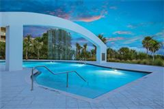 Luxury homes in gulf-front corner penthouse at aria