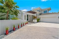 Mansions extraordinary custom home in Bay Isles on Longboat Key