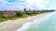 Mansions in new quintessential island estate