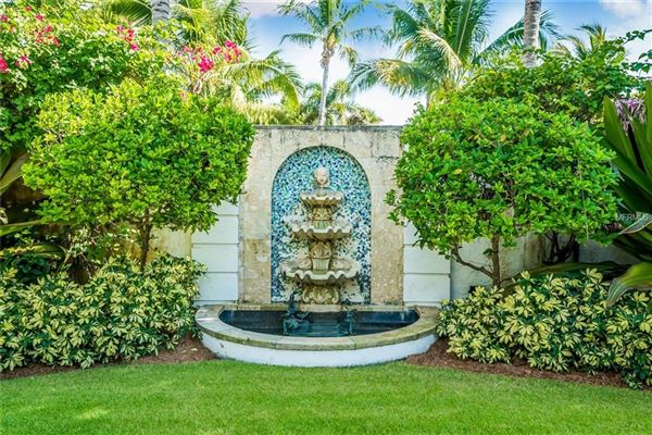 five-bedroom waterfront estate in boca grande In Florida luxury homes