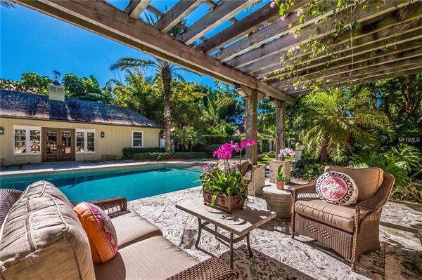 Luxury real estate  five-bedroom waterfront estate in boca grande In Florida