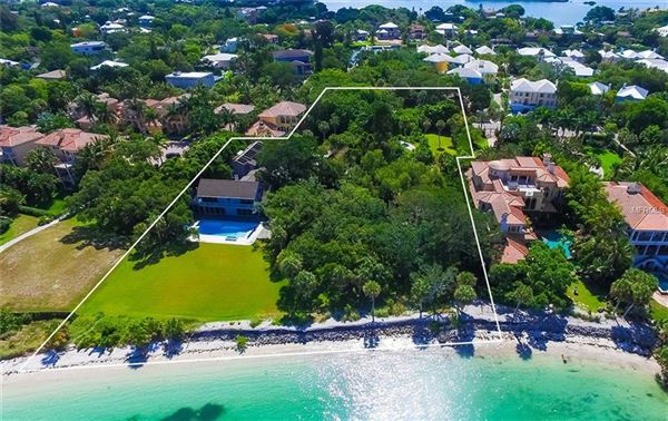 an iconic, Gulf-Front estate in sarasota luxury homes