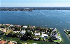 Luxury homes a truly beautiful home right on the waterway
