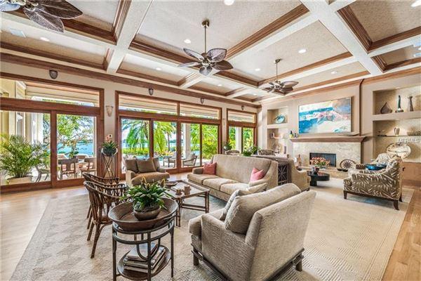 Oak Shadows luxury homes