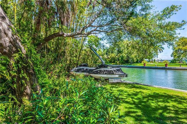 Luxury properties Oak Shadows