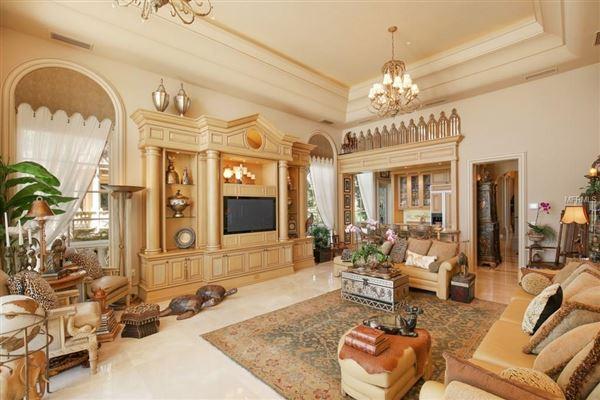 Luxury homes in Serenissima in Longboat Key