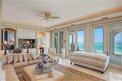 Luxury homes Serenissima in Longboat Key
