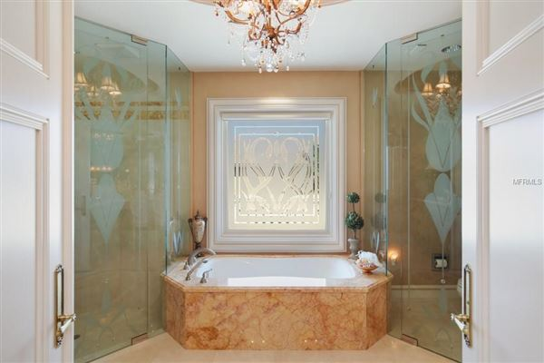 Luxury real estate Serenissima in Longboat Key