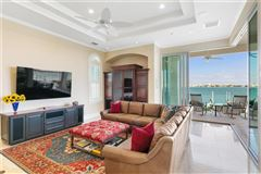 Mansions in Showstopping Sarasota Bay and downtown city skyline views
