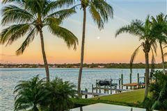 Showstopping Sarasota Bay and downtown city skyline views mansions