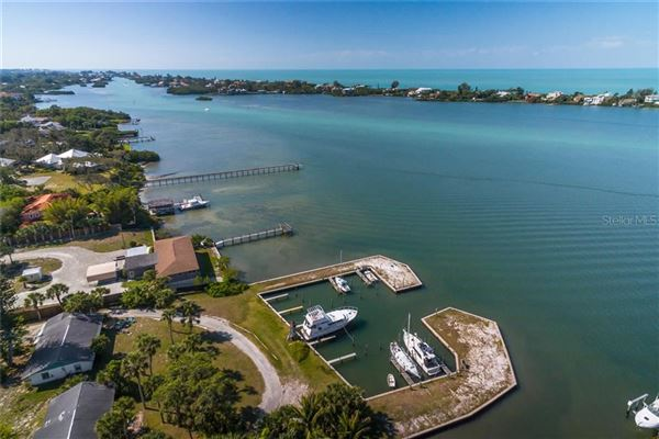 Lucrative waterfront opportunity  luxury homes