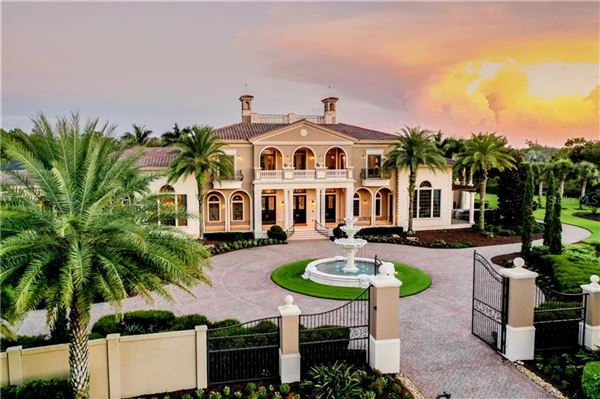 Luxury homes distinctive grand estate