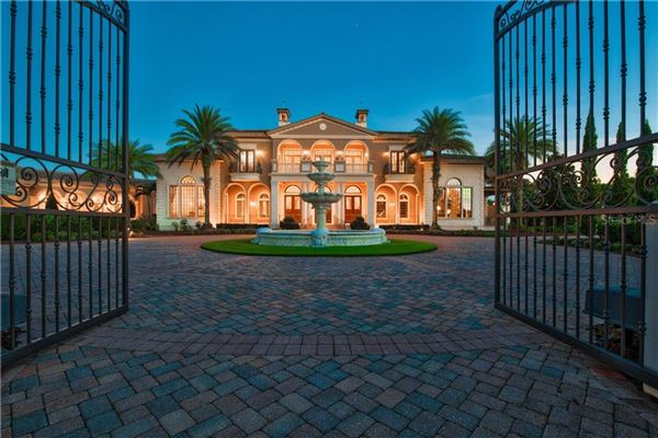 distinctive grand estate luxury homes