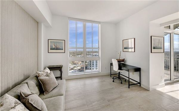 Luxury real estate 17th floor penthouse